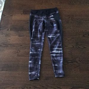 Lucy Active Leggings size Small